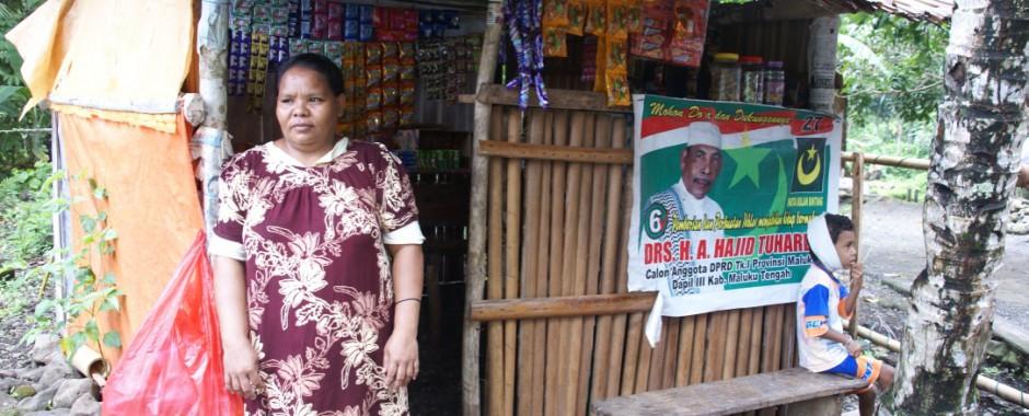 Pondok (kleine winkel) in Ureng